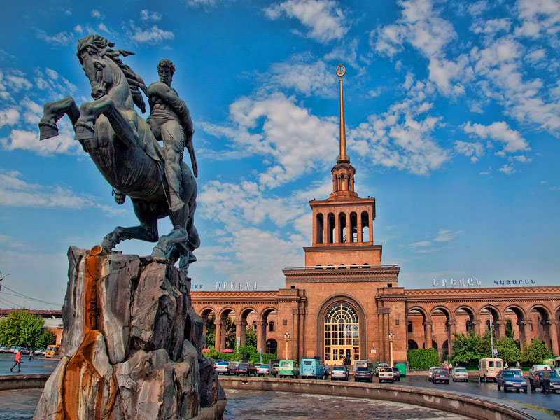 monuments-in-yerevan